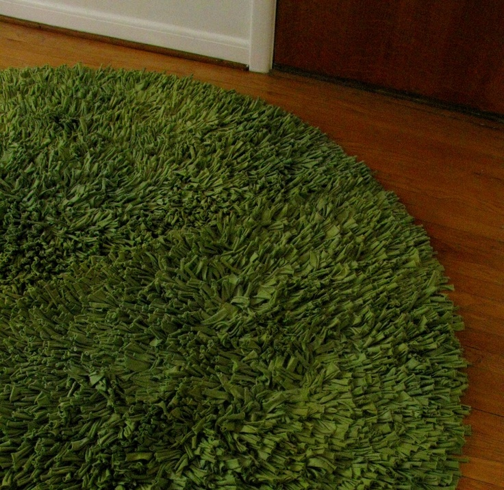 Recycled TShirt Rug- made to look like grass. Would be awesome for the girls' playroom!