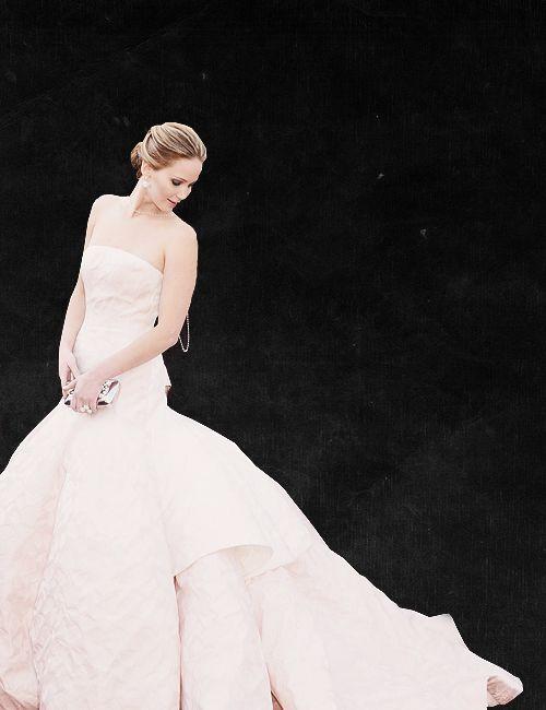 Katniss wins an Oscar for her role as Mockingjay. The Capitol goes insane.