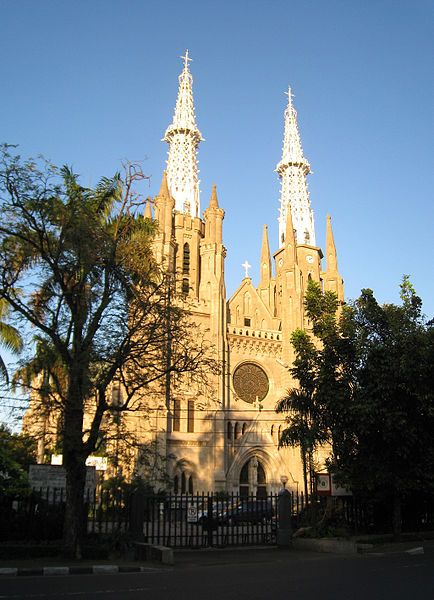 Cathedral Church, Jakarta. << musti foto didepannya ntar ^^