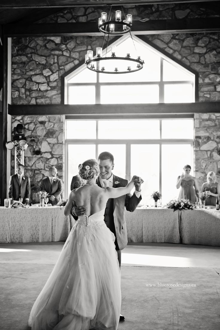 The first dance at the beautiful Sprucewood Estate Winery in Southern Ontario. #BlueRoseDesigns #Sprucewood #Sprucewoodestate #firstdance #firstdancephoto #weddings #weddingphotography #weddinginspiration #darling #darlingmovement #windsorweddings #windsorweddingphotography #dance