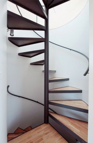 les 25 meilleures id es de la cat gorie escalier en. Black Bedroom Furniture Sets. Home Design Ideas