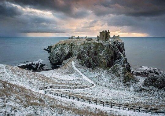 You're never far from a castle in Aberdeenshire. This stunner of Dunnottar, by Edinburgh & Beyond Photography is just one of 18 castles in the area that makes up Scotland's only castle trail!  Who's up for some exploring?