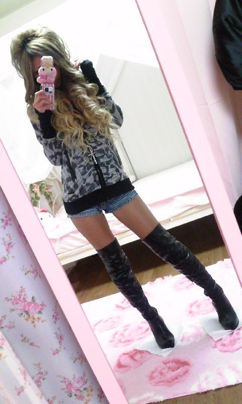 :) black knee high boots.  Thigh highs fo dayz.