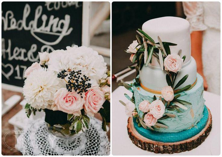 Кружевные винтажные салфетки и деревянный срез для свадебного торта - английский Welcome в деталях