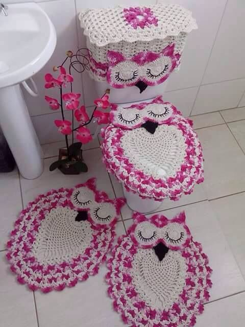 Still looking for a pattern for this beautiful owl bathroom set.
