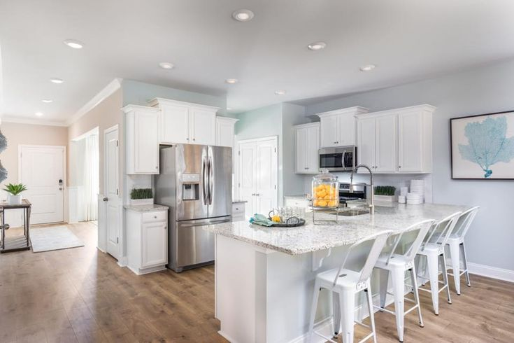 Does open and BRIGHT describe this kitchen just RIGHT?!