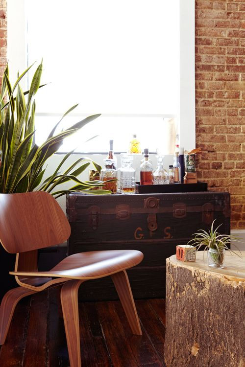 hesszplace: Bedroom Interior Design, Mini Bars, Vintage Trunks, Design Office, Living Spaces, Brick Wall, Living Room, Bedroom Interiors