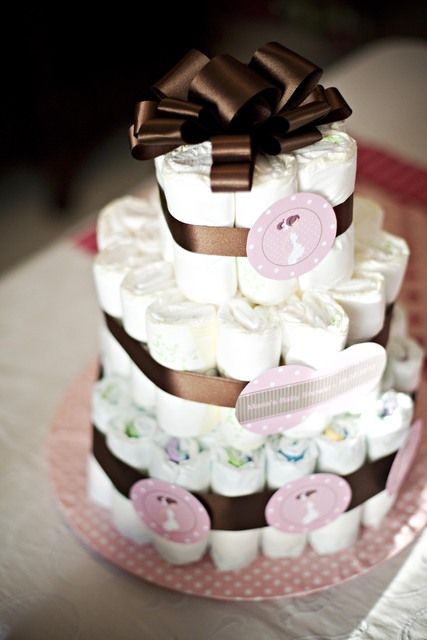 Chic diaper cake at a brown and pink baby shower #brownpink #babyshower