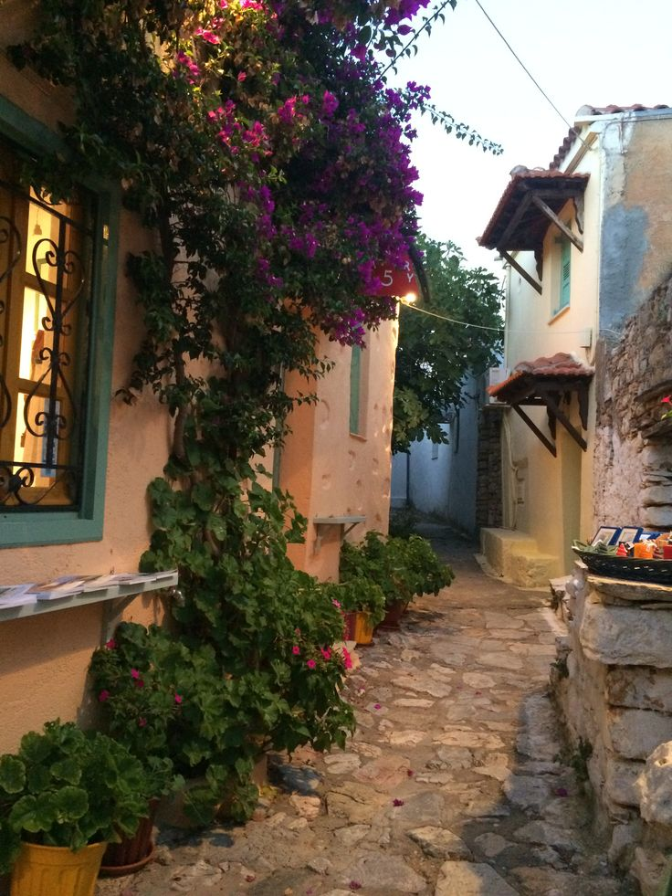 Street in Alonissos, old city