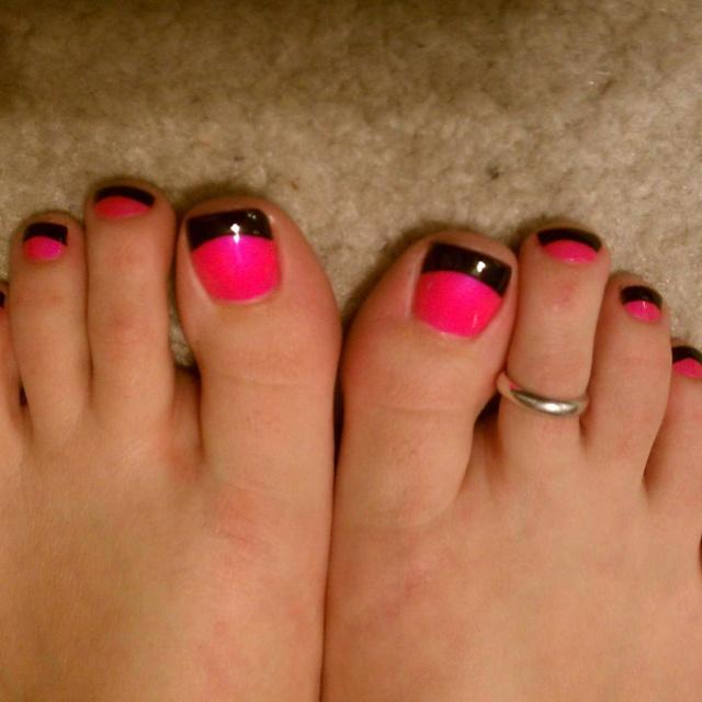 Pink Nails Black Tips. Simple Nail Art