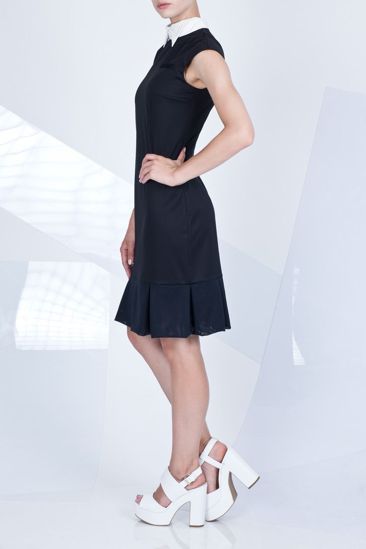 czarna sukienka tenisowa z kołnierzykiem i falbaną #ranitasobanska #litlleblackdress #blackdress #tennisdress #lookbook #eshop