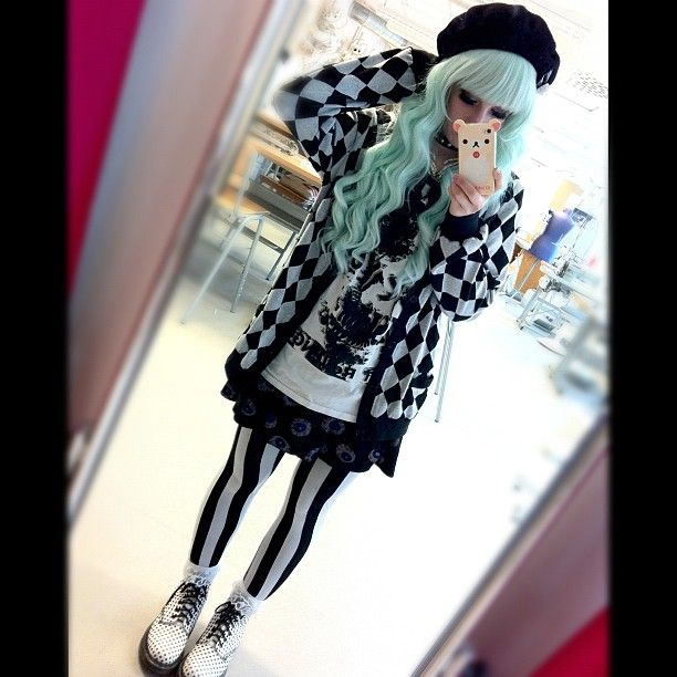 Stripe tights & diamond print sweater ~ I might've already pinned this one;; but i love it