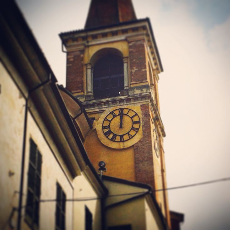 Time is running out  #fun #holiday #igtravel #instago #piedmont #instapassport #instatravel #instatraveling #mytravelgram #photooftheday #italy #italianholidays #tourism #tourist #travel #travelgram #traveling #travelingram #travelling #trip #vacation #visiting