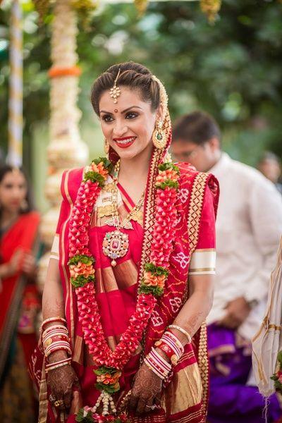 gujarati bride , modern gujarati panetar , silk saree , gujrati panetar saree , red gujju bride , red and gold gujarati bride