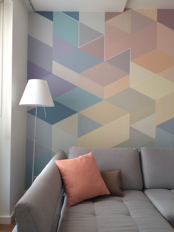 geometric wall painted by Miranda Maakt het Mooi (Miranda Makes it Magnificent