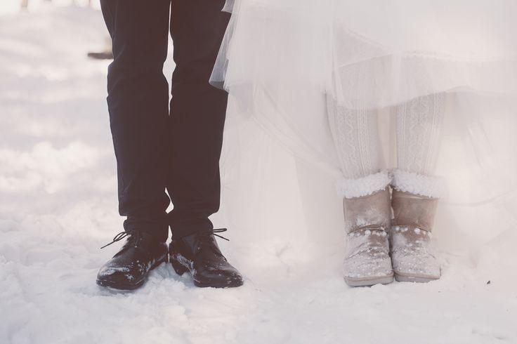 Свадьба зимой. 14 февраля. Любовь. Семья. Невестка. Свадебный образ. Прогулка на природе. Зимний лес. Образ невесты. Свадебный стиль. Обувь. Идеи для свадьбы.