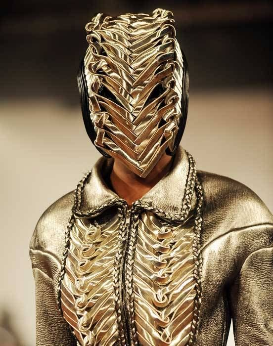 Iris van Herpen, s/s/ 2010 - fashion, but could make a cool villain or cosplay :-)