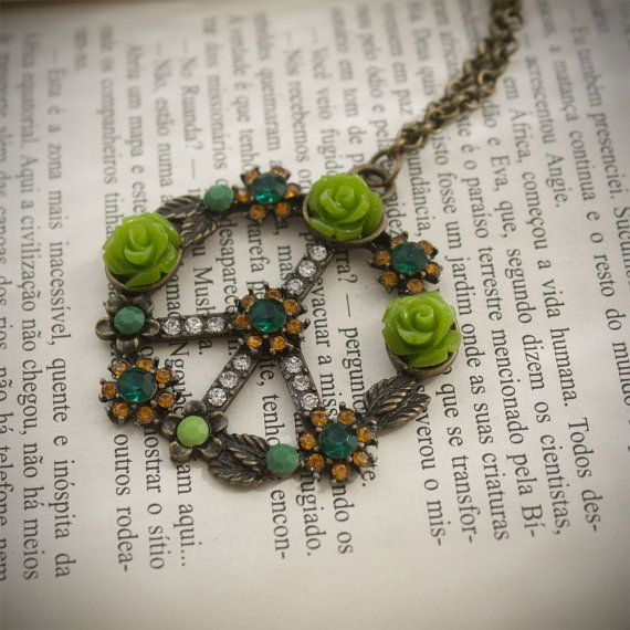 Bronze and Green Peace Symbol with Rhinestones and by HandmadeBiju #Womannecklace #peacenecklace #peacesymbol #Bronzenecklace #Chainnecklace #Jewelry #Handmadejewelry #Handmadenecklace #Handmadegift #Necklace
