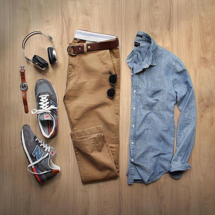 Chemise en jean, pantalon velour beige, New Balance bleue, Ceinturon marron, Montre Oméga bracelet cuir marron, Lunettes Persol McQueen écaille. Chaussures New Balance bleues.