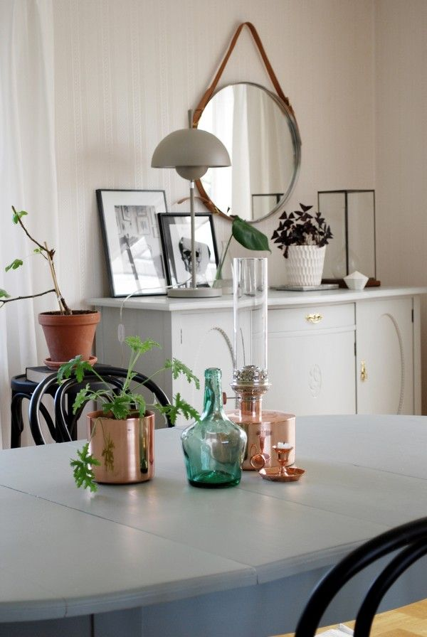 Sofias Inredning - Dining room with fleamarket finds. Klong Patina