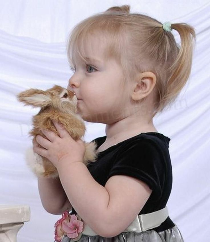Rabbit and Girl ~ ohhh! i wan dat!!  i wan dat widdle girl & her cute bunny