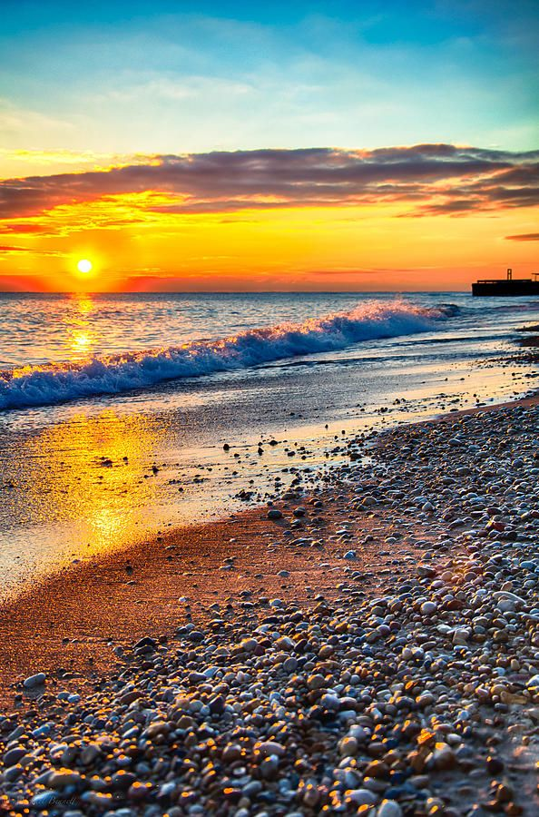Sunrise on the shores of Lake Michigan (by Michael Bennett)  www.facebook.com/loveswish