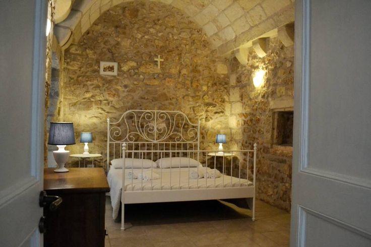 Dai un'occhiata a questo fantastico annuncio su Airbnb: SALENTO GUESTHOUSE B&B SUITE 2 - Bed & Breakfast in affitto a Carpignano Salentino