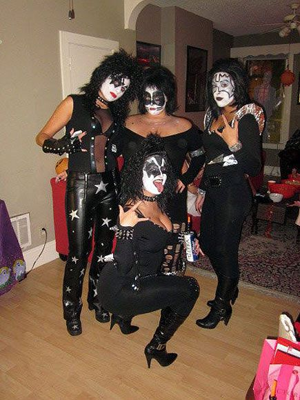 die besten 25 kiss halloween costumes ideen auf pinterest kiss kost m college halloween. Black Bedroom Furniture Sets. Home Design Ideas
