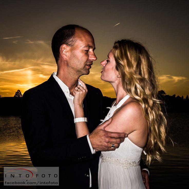 En anderledes redigering med et mere råt look #Bryllup #Wedding #Bryllupsfotograf #Intofoto #Bryllupsfoto #Bryllupsfotografering #Hillerød #Nordsjælland #Brudepar
