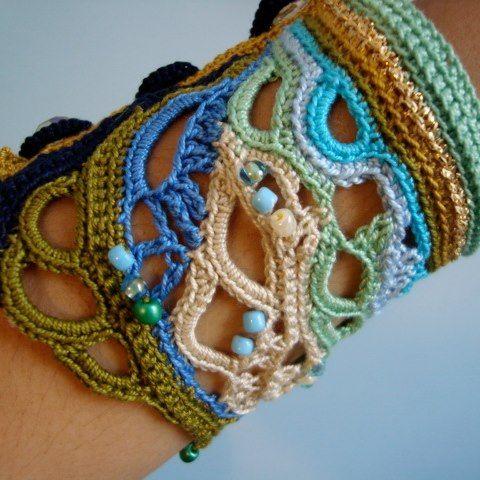 beautiful crochet cuff bracelet