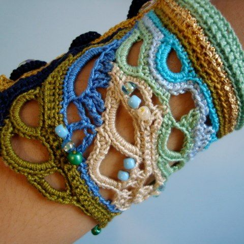 beautiful crochet cuff bracelet