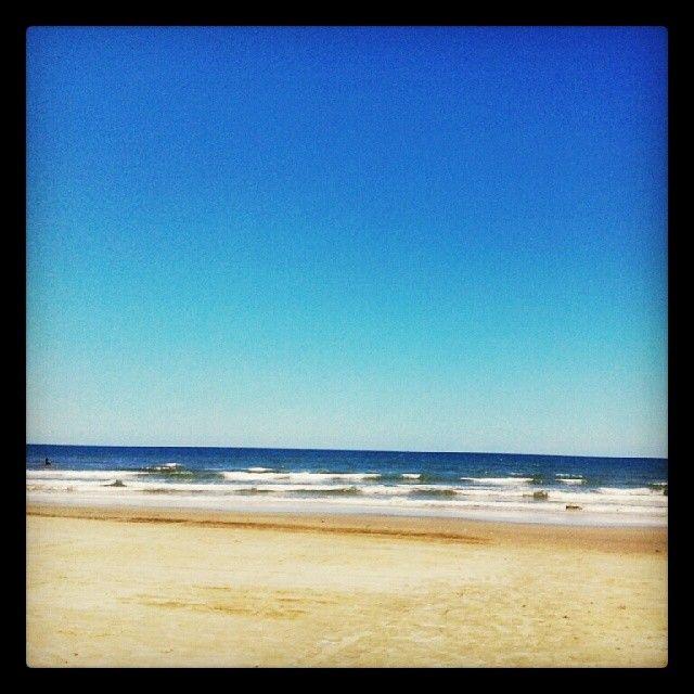 [...] E que haja mais momentos para admirar a imensidão do mar. Praia de Monguaguá - Litoral de São Paulo - Brasil #beach #brasil