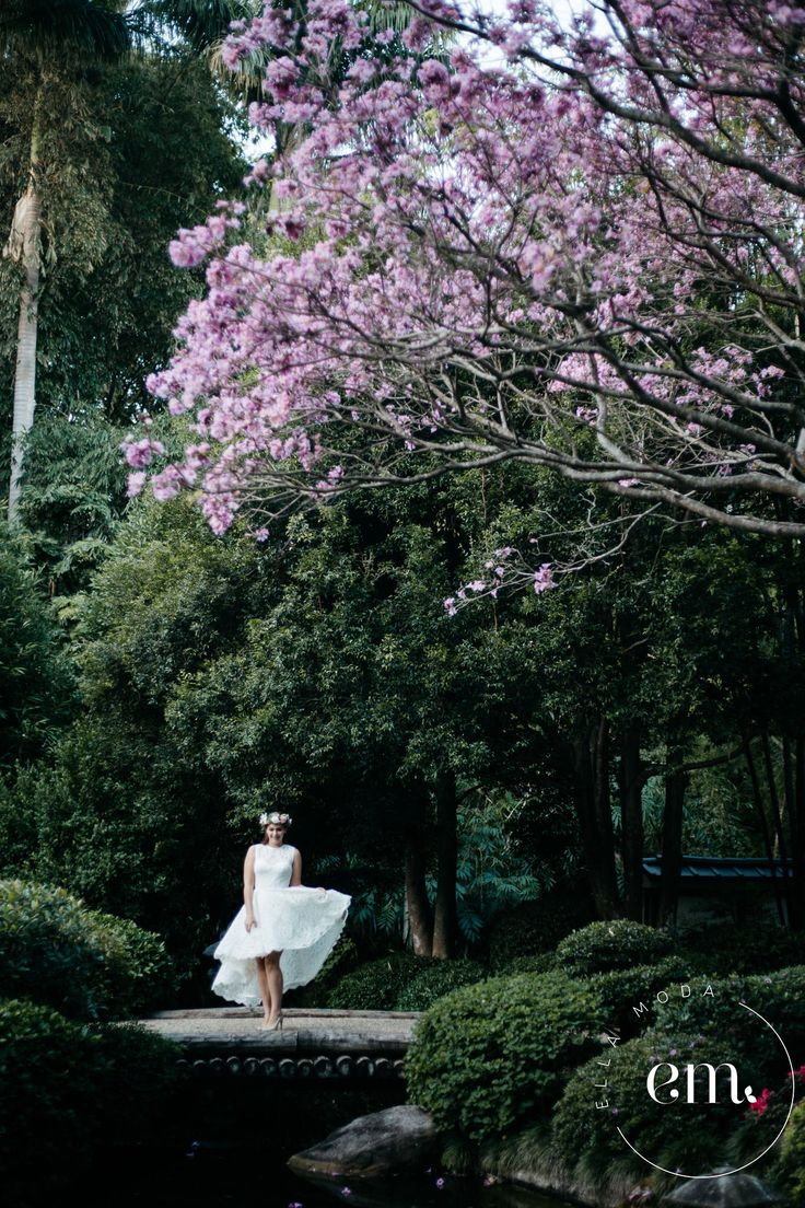 "   Ella Moda Bridal    ""Georgia""  bespoke wedding gown Model: Darby Lawrence Photography: Jackie Dixon  #bridal #bespoke #brisbane #photoshoot #beading #wedding #bride #model #flowers #lace"