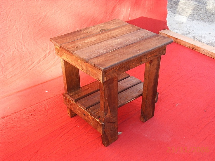 Muebles artesanales hechos con palets - Mesa de palets bricolaje ...