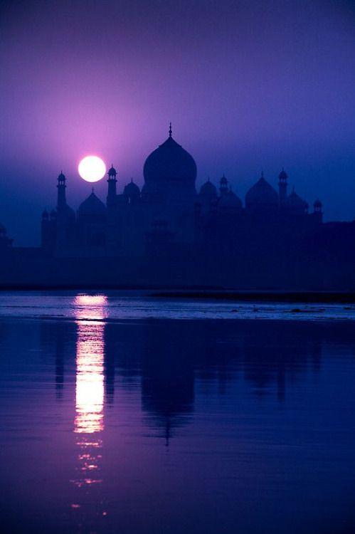 India, Uttar Pradesh, Agra, Taj Mahal, dawn                        by Glen Allison on Getty Images