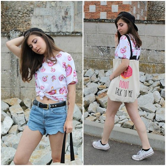 Get this look: http://lb.nu/look/8278051  More looks by Elo'  Cupcake: http://lb.nu/elocupcake  Items in this look:  Eleven Paris Top, H&M Shorts, Converse, Primark Tote Bag, Karl Lagerfeld  Cap   #casual #sporty #street #streetstyle #fblogger #blogueusemode #frenchblogger #ootd