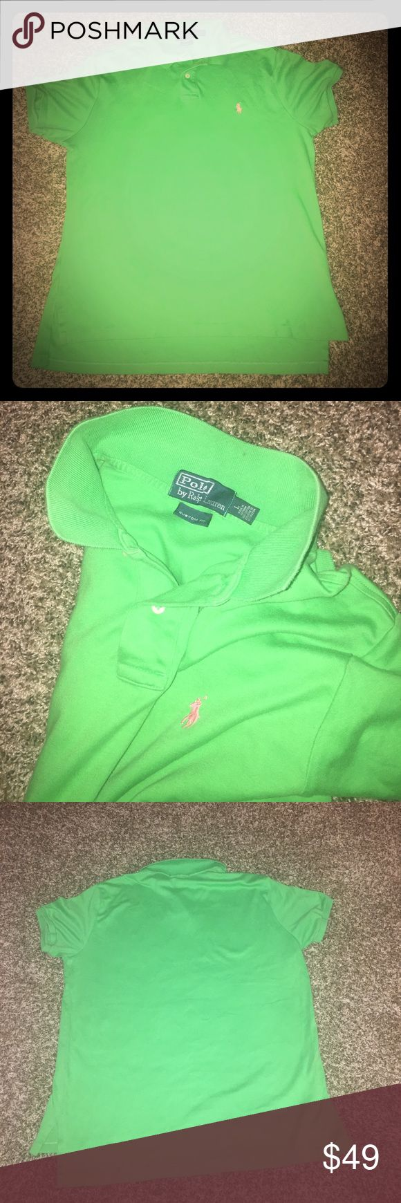 Ralph Lauren Custom Fit Pima Polo Green Large Size Large: custom fit so, it's more like a medium.  It fits like a RL Large. RL's Pima Soft-Touch Polo shirt has been specially treated to give it a lustrous, refined appearance and an ultra-soft feel. collar and armbands are constructed to retain fit.  Custom Fit: the second-slimmest silhouette from Polo.  Ribbed Polo collar. Two-button placket. Short sleeves with ribbed armbands. Tennis tail. Pinkish orange signature embroidered pony at the…