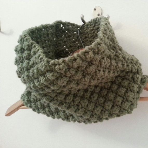 Chunky Cowl  Round Knitted Scarf in Green by KnitsandthingsbyM, $39.00