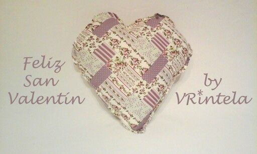 Cojín patchwork con forma de corazón VRintela.com