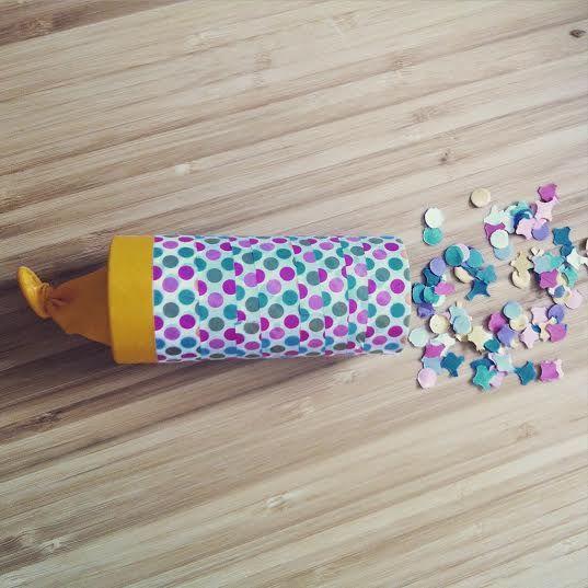 {DIY} Un canon à confettis avec un rouleau de papier toilette!
