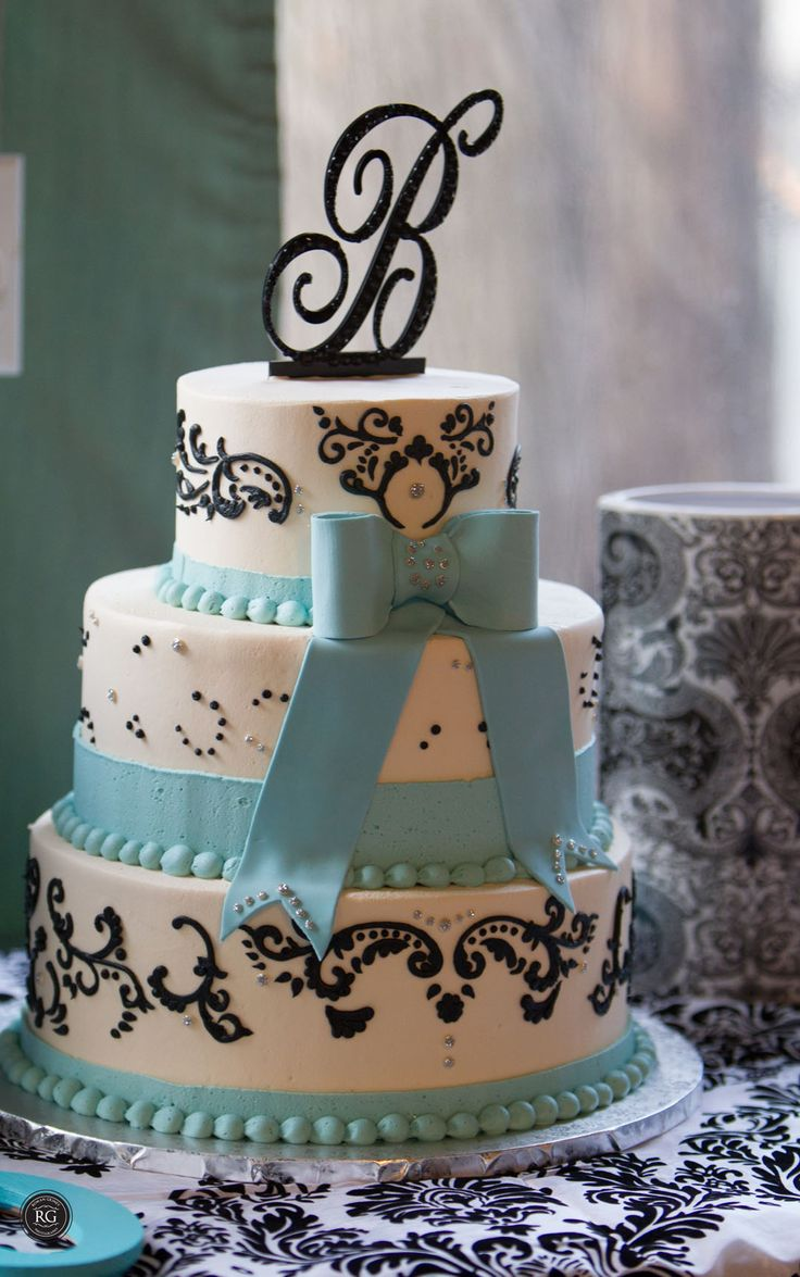 wedding cake at Vandiver Inn #vandiverinn #weddingcake