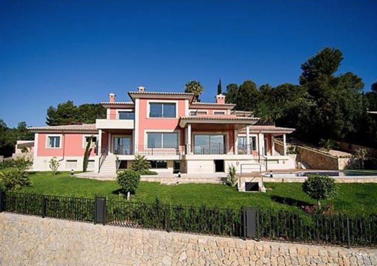 Villa with pool in Mallorca, Spain