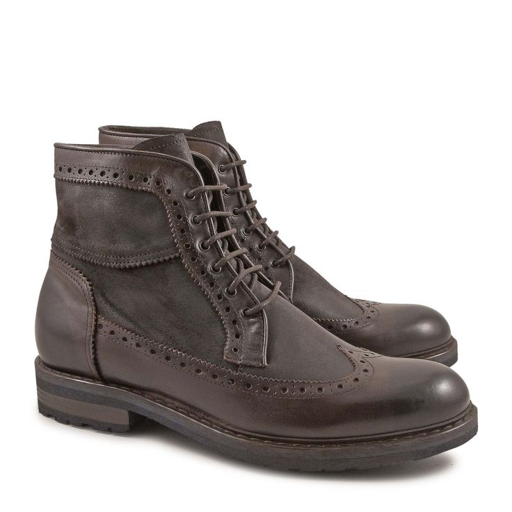Handmade men's wingtip boots in vintage chocolate leather - Italian Boutique €304