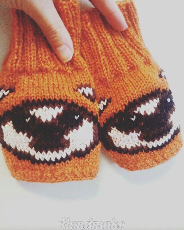 Ewok mittens #handmake #handmade #knittersofinstagram #knitting #accessories #ewok #StarWars #darthvader #kyloren #r2d2 #StarWarsDay #Episode6  #lucasfilm #mittens #fingerlessgloves #souvenir #gift #etsy #etsyfind #митенки #аксессуар #подарок #ручнаяработа #сувенир #ЗвездныеВойны #эвок #лукасфильм