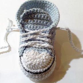 Il existe plusieurs patrons de converses au crochet pour bébé sur la toile mais aucun ne me convenait vraiment... Tantôt, les chaussons sont...