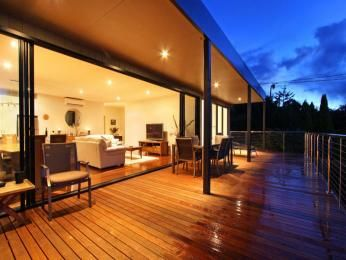 Outdoor living design with deck from a real Australian home - Outdoor Living photo 560439