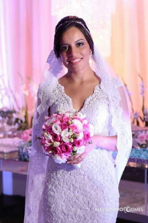 Vestido de noiva em Teresina é no Atelier Júnior Brandão.