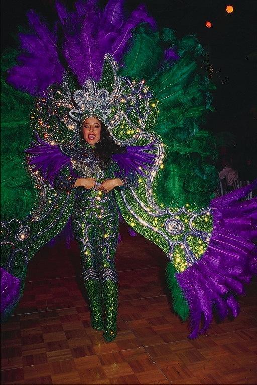 Brilliant, kostum berwarna-warni Fashionable Fantasi > Gaya ..