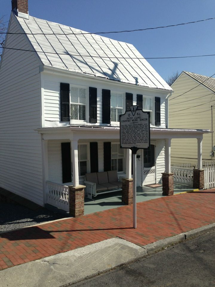 Patsy Cline Historic House In Winchester Va Patsy Cline Historic Homes Country Singers