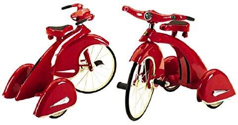 Réplica do triciclo Sky King  de 1936, vermelho com cromados prateados e pneus sólidos de borracha, assento ajustável com mola, luzes que se acendem. Fabricado pela  Airflow Collectible, fabrica de velocípedes de aço.